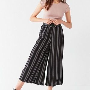⭐️2 for $25⭐️BNWOT Silence and Noise wide leg pant